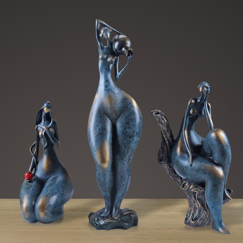 03 Statuettes en résine